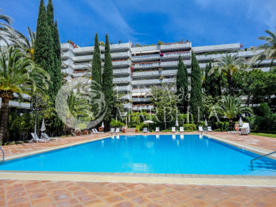 Apartment for sale in Don Gonzalo, Marbella