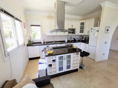 Villa en venta en La Paloma, Manilva