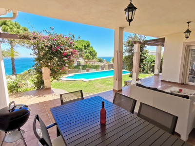 Villa for sale in La Paloma, Manilva