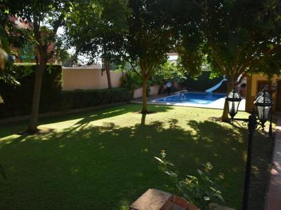 Villa for sale in Pueblo Nuevo de Guadiaro