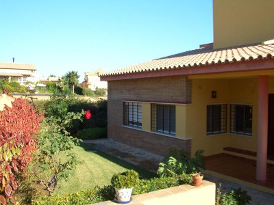 Villa for sale in Alcaidesa Costa, Alcaidesa