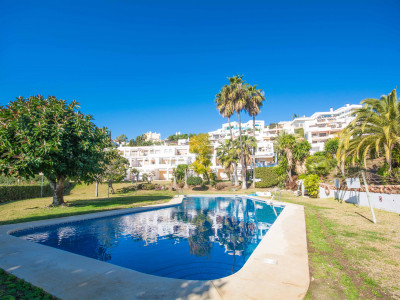 Duplex penthouse for sale in La Quinta Benahavis