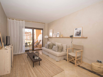 Beautiful front line beach apartment in Manilva for rent