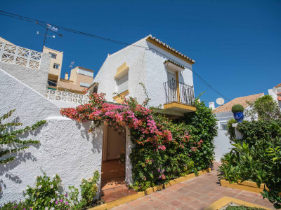 Lovely townhouse for sale on the New Golden Mile in Estepona