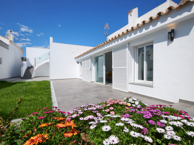 Fully renovated townhouses for sale in Puerto Romano – Estepona