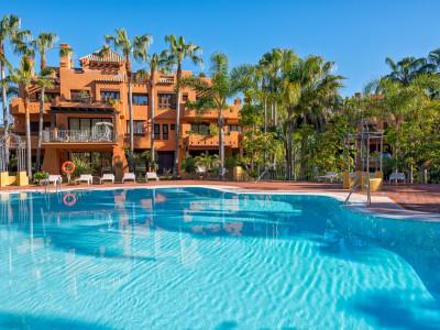 Apartamento Planta Baja en venta en La Alzambra Hill Club, Nueva Andalucia
