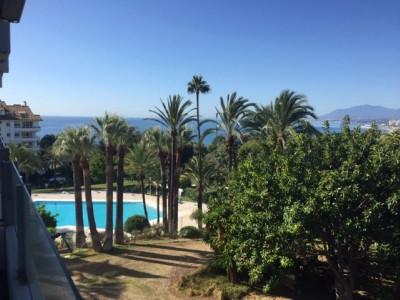 Apartamento en venta en Rio Real, Marbella Este