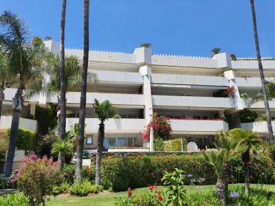 Apartamento en venta en Los Granados, Marbella - Puerto Banus