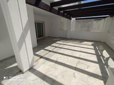 Apartamento en venta en Las Gaviotas, Marbella - Puerto Banus