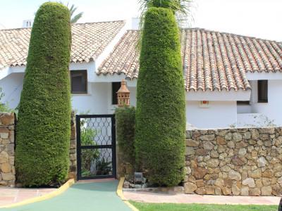 Adosado en venta en Ancon Sierra, Marbella Golden Mile