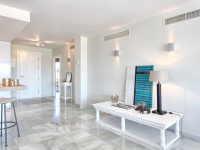 Apartamento en venta en Monte Halcones, Benahavis