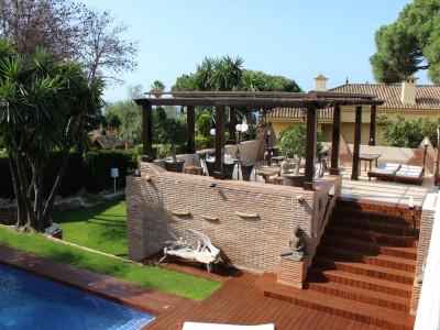 Villa en alquiler en Hacienda las Chapas, Marbella Este