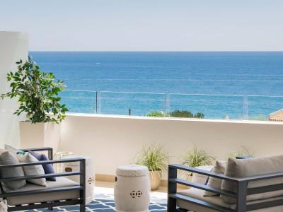 Piso nuevo en venta con vistas panorámicas al mar