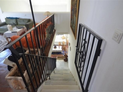 Villa  for sale in  Bahia Dorada, Estepona