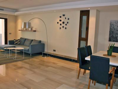 Apartment  for sale in  Bahia de la Plata, Estepona