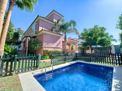 Villa for sale in Lorea Playa, Puerto Banus