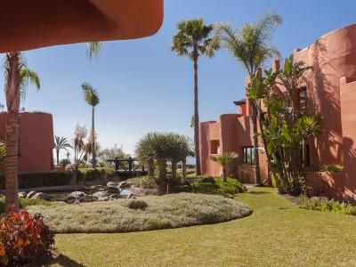 Квартира на нижнем этаже  на продаже в  La Morera, Восточная Марбелья