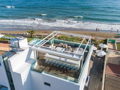 Villa en venta en Costabella, Marbella Este