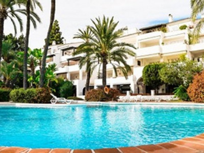 Penthouse for sale in Puente Romano II, Marbella Golden Mile
