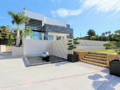 Villa en venta en Marbella Golden Mile