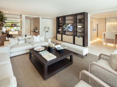 Apartamento en venta en Puente Romano II, Marbella Golden Mile