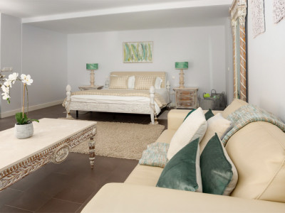 Villa en venta en La Cerquilla, Nueva Andalucia