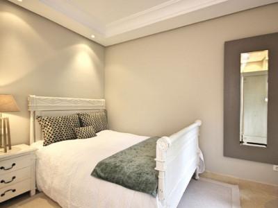 Ground Floor Apartment for sale in La Alzambra, Nueva Andalucia
