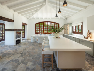 Villa en venta en Las Brisas, Nueva Andalucia