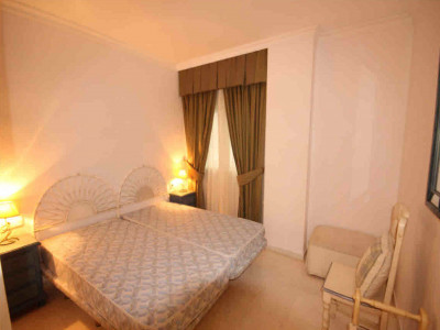 Apartamento en venta en Playas del Duque, Marbella - Puerto Banus