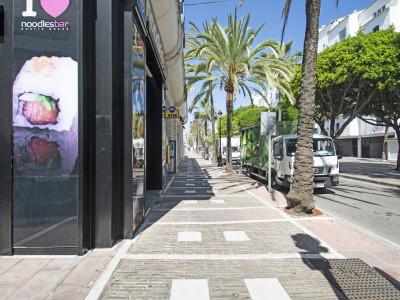 Commercial à vendre à Marbella - Puerto Banus