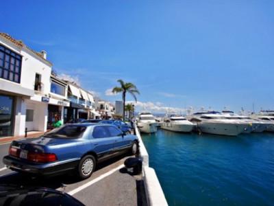Local Comercial en alquiler en Marbella - Puerto Banus