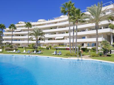 Единственный апартамент с 5 спальнями, двухэтажный пентхаус в комплексе, расположенном на первой линии пляжа