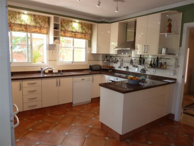 Semi Detached Villa for sale in Altos de Puente Romano, Marbella Golden Mile