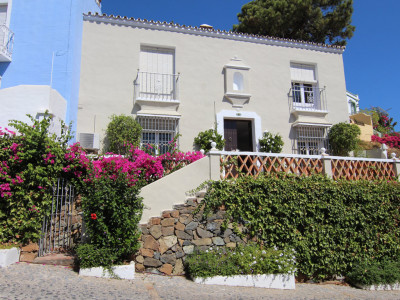 Town House in La Heredia, Benahavis
