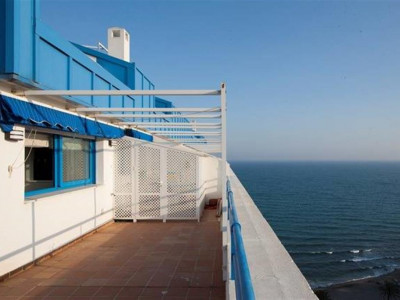 Marbella, Duplex penthouse on the promonade in Marbella centre with panoramic sea views