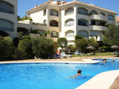 Marbella East, Fantastic apartment in Marbella east next to one of the best beaches in the Costa del Sol