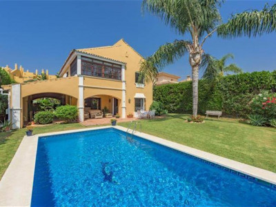 San Pedro de Alcantara, Quality villa for sale in Guadalmina Alta with views over the golf course