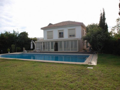 San Pedro de Alcantara, Beautifull villa for sale in San Pedro only a 5 minute walk from the beach