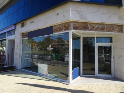 Marbella - Puerto Banus, Freehold commercial premises for sale in a privileged location in Puerto Banus