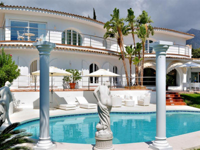 Marbella Golden Mile, Stylish villa for sale in Nagueles in the heart of the Marbella Golden Mile