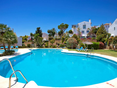 Estepona, Bargain apartment in El Paraiso in the New Golden Mile in Estepona