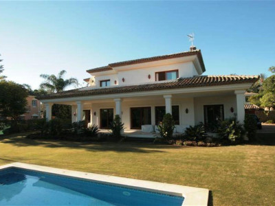 Nueva Andalucia, Beautiful Villa for sale in Nueva Andalucia just behind Puerto Banus