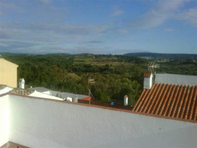 San Roque, Rustic style townhouse for sale in San Roque with a huge roof solarium