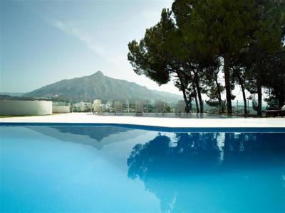 Nueva Andalucia, Completely refurbished villa in Las Brisas in Nueva Anldauica behind Puerto Banus