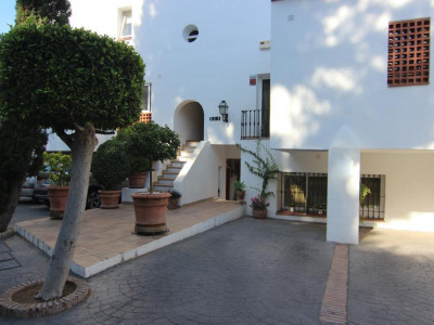 Benahavis, Investment opportunity in La Quinta next to the Nueva Andalucia Golf Valley