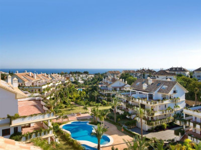 Marbella Golden Mile, Garden apartment for sale in the Marbella Golden Mile in a privileged location