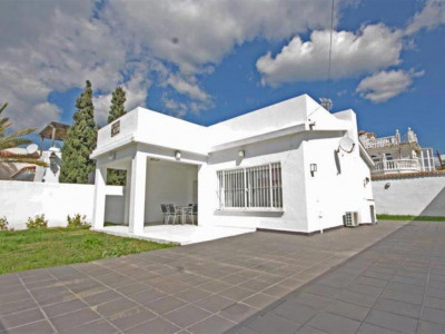 Marbella East, Bargain beachside villa for sale in Elviria in Marbella east