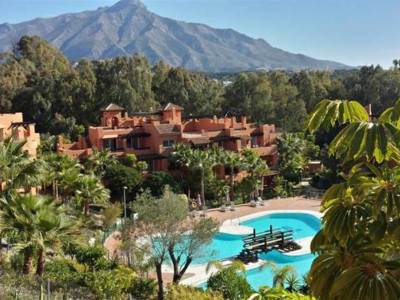 Nueva Andalucia, Garden apartment for sale in the Nueva Andalucia golf valley behind Puerto Banus