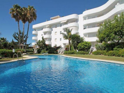 Marbella Golden Mile, Quality apartment for sale in the Marbella golden Mile with panoramic views