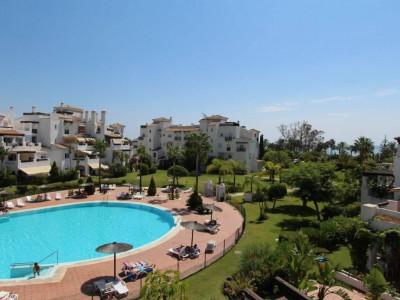 San Pedro de Alcantara, Beachside apartment for sale in an exclusive complex in San Pedro de Alacantara